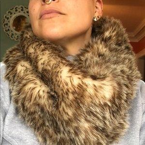 Garage reversible Faux fur/knit scarf